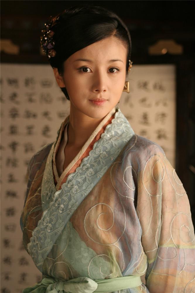 Đệ nhất mỹ nữ cổ điển xứ Trung tự biến mình thành thảm họa mặt rắn-3