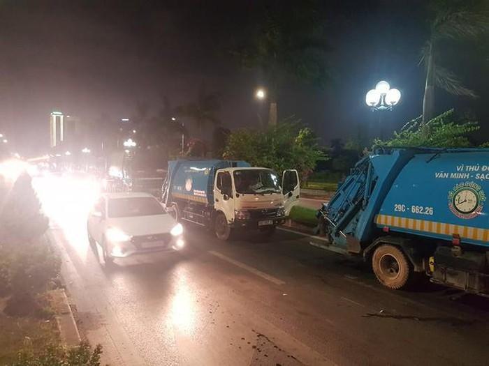 Hà Nội tiếp tục ùn ứ 9.000 tấn rác thải vì thêm 1 bãi tập kết rác bị chặn