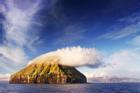 Hòn đảo trơ trọi hút khách vì hiện tượng thiên nhiên hiếm có