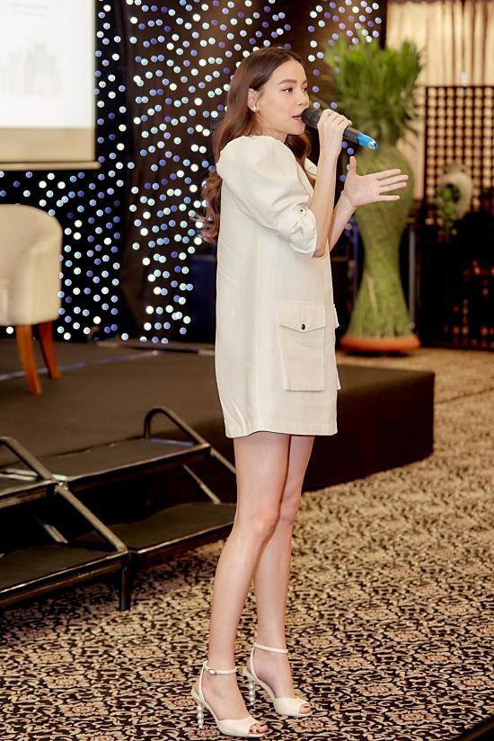 Hồ Ngọc Hà đi giày cao gót, diện váy ngắn dự sự kiện nhưng vẫn khéo che bụng bầu-6
