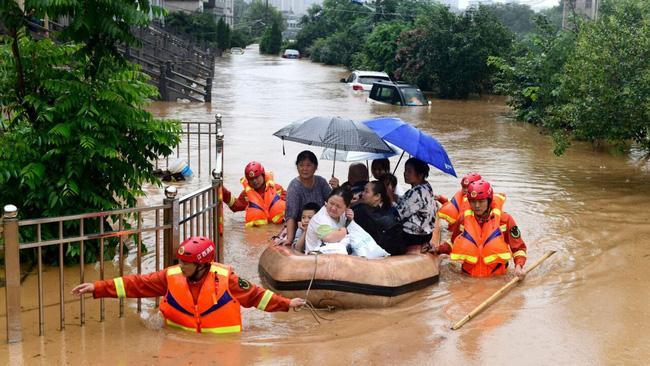 Mưa lớn không ngừng, đập Tam Hiệp bất lực để ngăn lũ ở sông Dương Tử-4