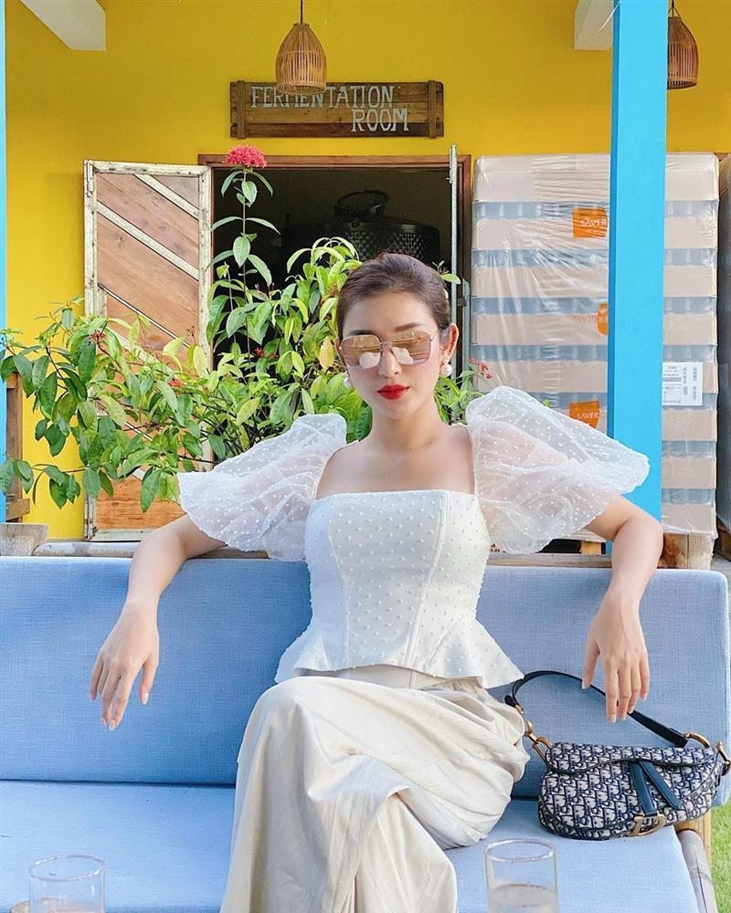 Các mỹ nhân Việt diện quần ống rộng với 4 kiểu áo sau để nâng tầm vẻ sang xịn cho cả tổng thể-1