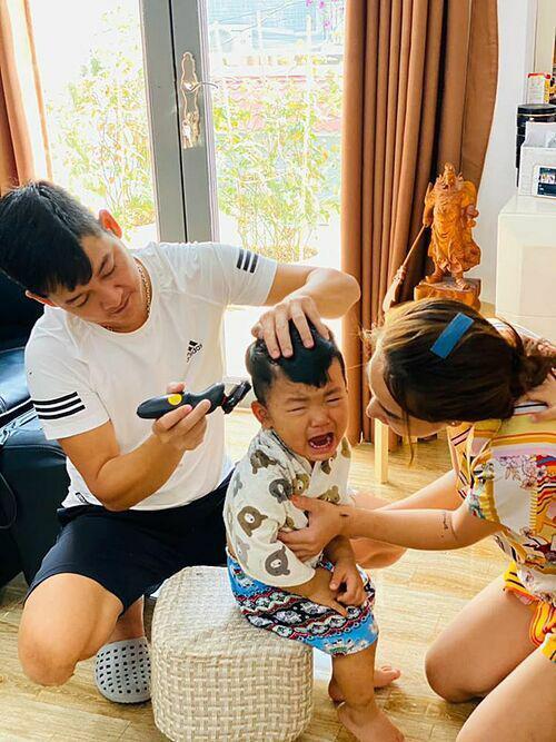 Sao Việt cắt tóc cho con: Thu Minh thất bại, Kỳ Hân xứng danh cây kéo vàng-7