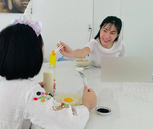 Sao Việt cắt tóc cho con: Thu Minh thất bại, Kỳ Hân xứng danh cây kéo vàng-10