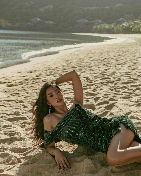 Hoa hậu Tiểu Vy những ngày cuối nhiệm kỳ: Làn da nâu sáng rực dưới ánh mặt trời-2