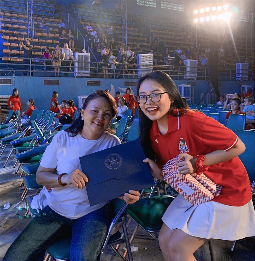Phương Mỹ Chi khoe thành tích học tập đáng ngưỡng mộ tại trường quốc tế-2