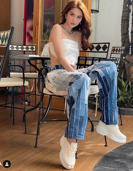 Chán hở trước, Ngọc Trinh lại diện mốt quần jeans hở toang hoác phía sau-7