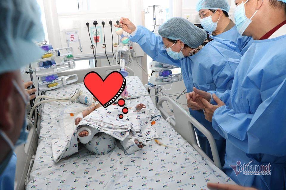 Hai bé Trúc Nhi - Diệu Nhi sẽ phải chịu thêm 4 cuộc đại phẫu-3