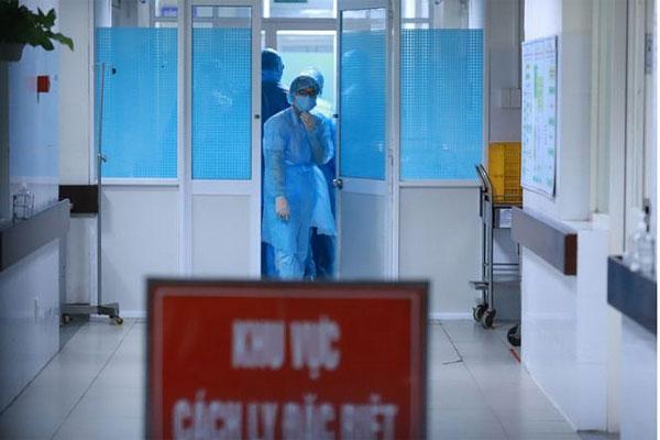 Thêm 12 ca dương tính với Covid-19, Việt Nam có 396 ca bệnh-1