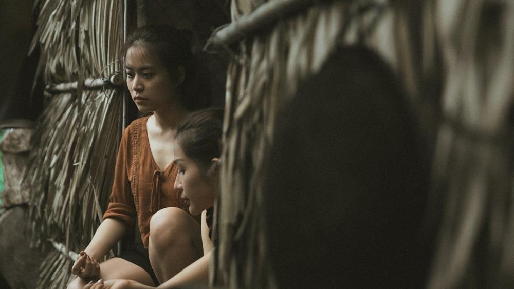 Diễn xuất bị chê tơi tả nhưng Hoàng Thùy Linh vẫn liều mạng đóng phim mới-3