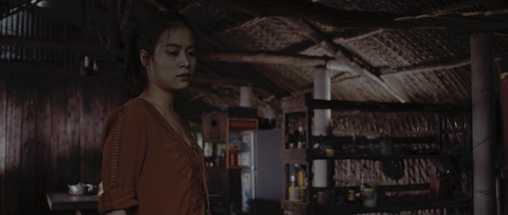 Diễn xuất bị chê tơi tả nhưng Hoàng Thùy Linh vẫn liều mạng đóng phim mới-5