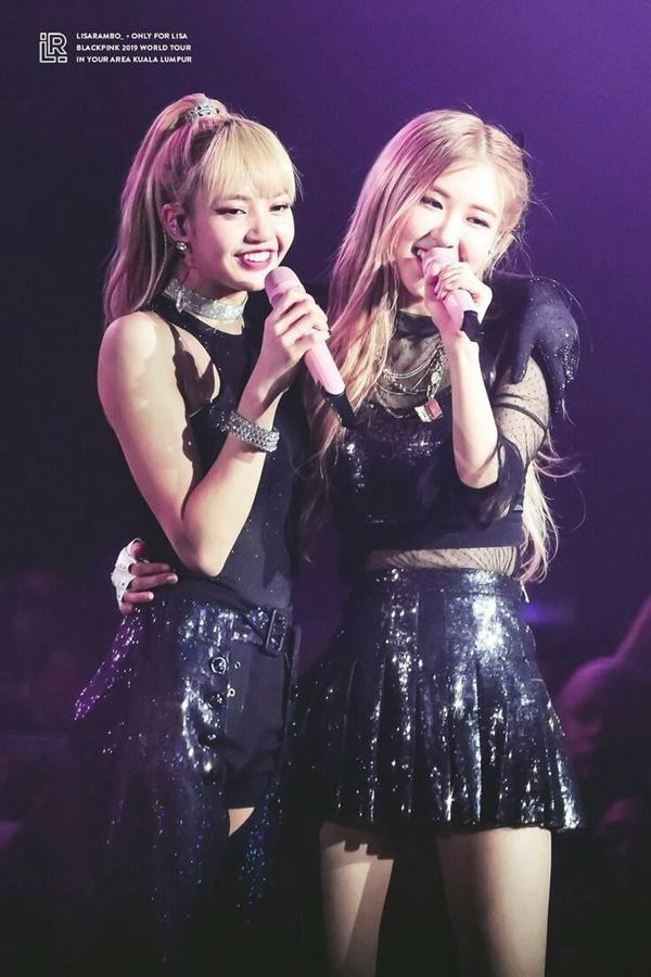 Tình bạn đáng yêu đến tan chảy của Lisa và Rose BlackPink-1