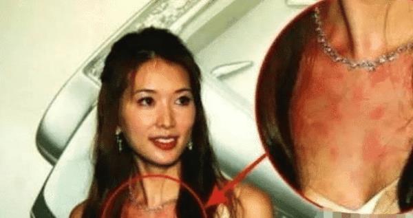 Sao Hoa ngữ quá chén: Người bất tỉnh nhân sự, người khoe cả nội y-1