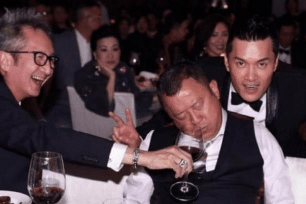 Sao Hoa ngữ quá chén: Người bất tỉnh nhân sự, người khoe cả nội y-2