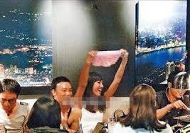 Sao Hoa ngữ quá chén: Người bất tỉnh nhân sự, người khoe cả nội y-8