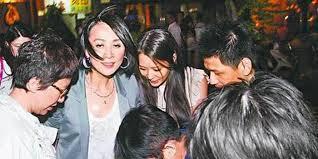Sao Hoa ngữ quá chén: Người bất tỉnh nhân sự, người khoe cả nội y-6
