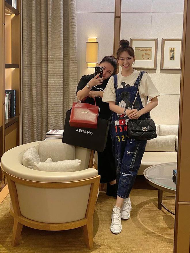 Trấn Thành - Hari Won tặng quà sinh nhật quản lý trị giá 250 triệu đồng-1