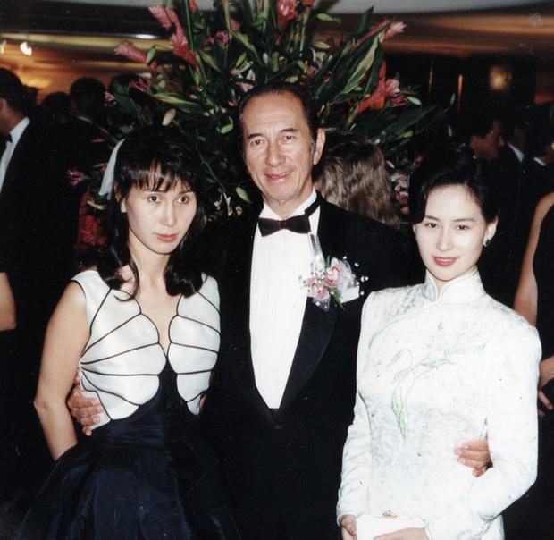 Nội chiến giữa 2 nữ cường nhân gia tộc Vua sòng bài Macau: Người chị mưu lược vẫn để tài sản vào tay em gái-1