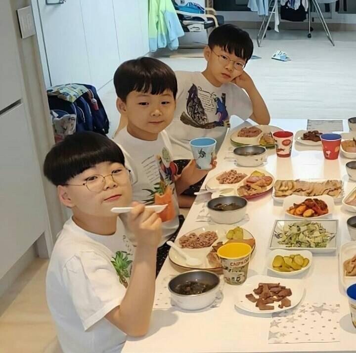 Song Il Gook tiết lộ điều đặc biệt về 3 quý tử Daehan - Minguk - Manse-3