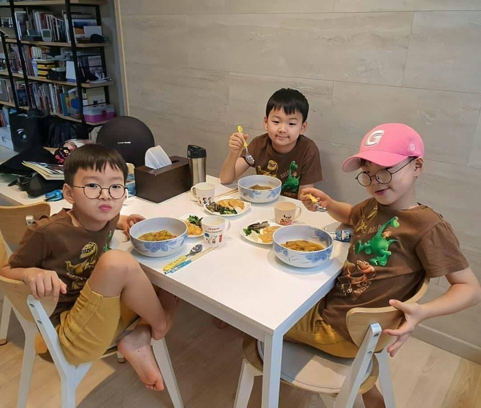 Song Il Gook tiết lộ điều đặc biệt về 3 quý tử Daehan - Minguk - Manse-6