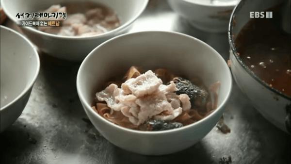 Loạt món ăn dân dã Việt Nam xuất hiện trên truyền hình Hàn Quốc-1