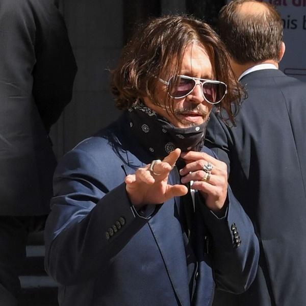 Amber Heard tố Johnny Depp từng đẩy Kate Moss ngã cầu thang-1