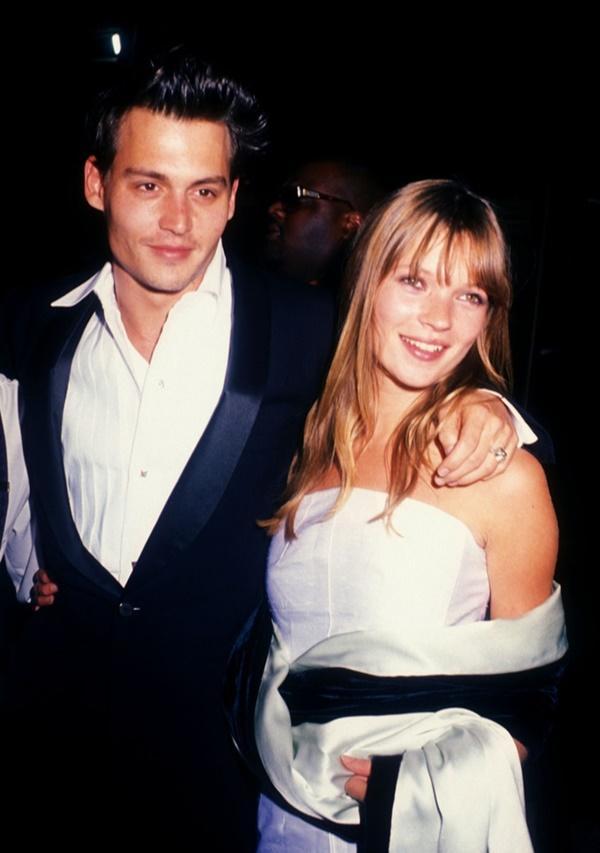 Amber Heard tố Johnny Depp từng đẩy Kate Moss ngã cầu thang-3