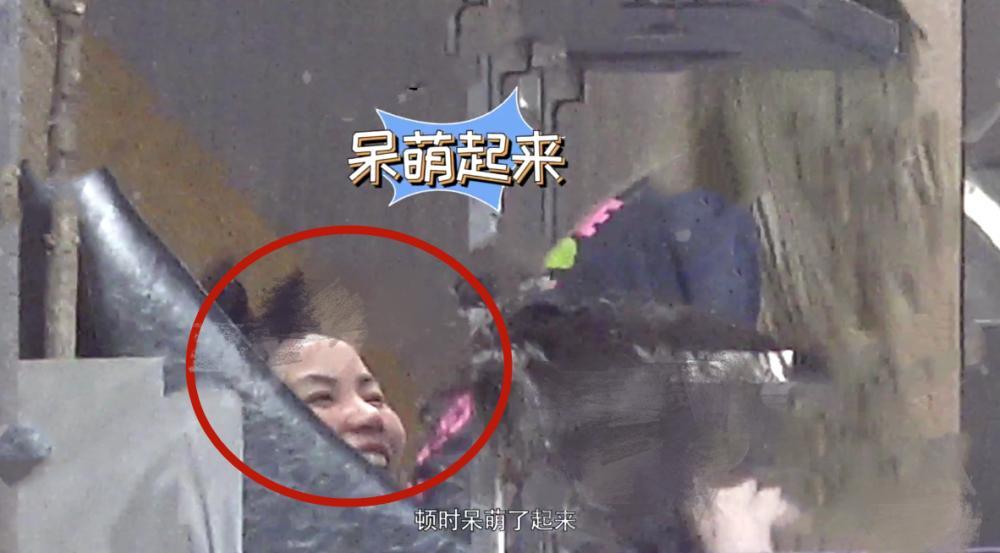 Rũ vẻ lạnh lùng, Vương Phi đáng yêu chưa từng thấy bên con gái Lý Yên-2