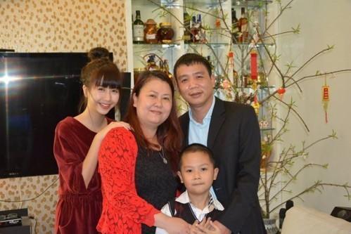 Khoe ảnh du lịch cùng gia đình, ngoại hình bố ruột Quỳnh Anh Shyn chiếm spotlight-8