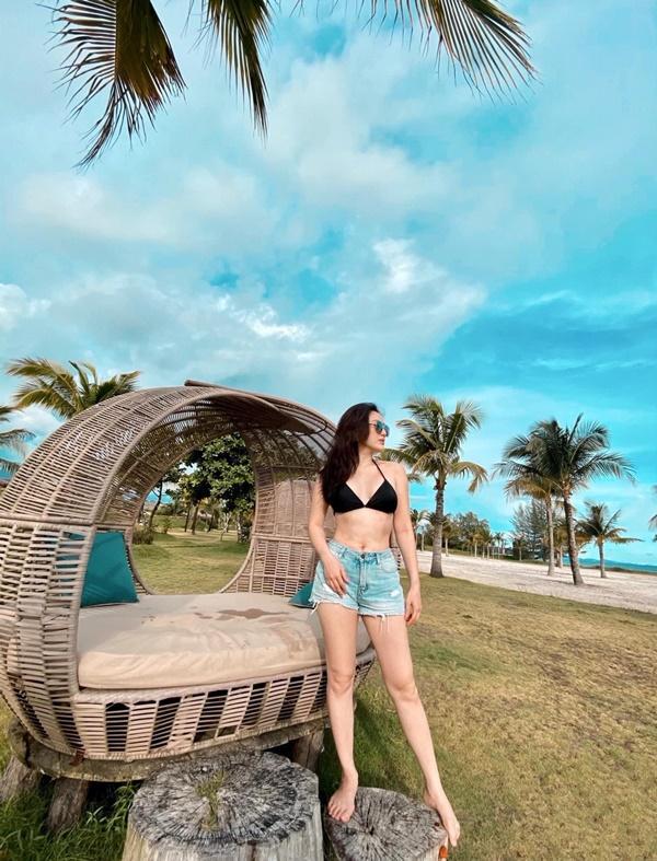 Tin sao Việt: Bảo Thy diện bikini xóa tan tin đồn bầu bí