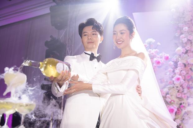 Mẹ chồng Á hậu Thúy Vân nói gì khi con dâu bất ngờ công khai bầu trước khi cưới?-4