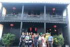 Bị 'ném đá' vì loan tin đưa khách tháo chạy khỏi Đà Nẵng, guider xóa status tránh nạn