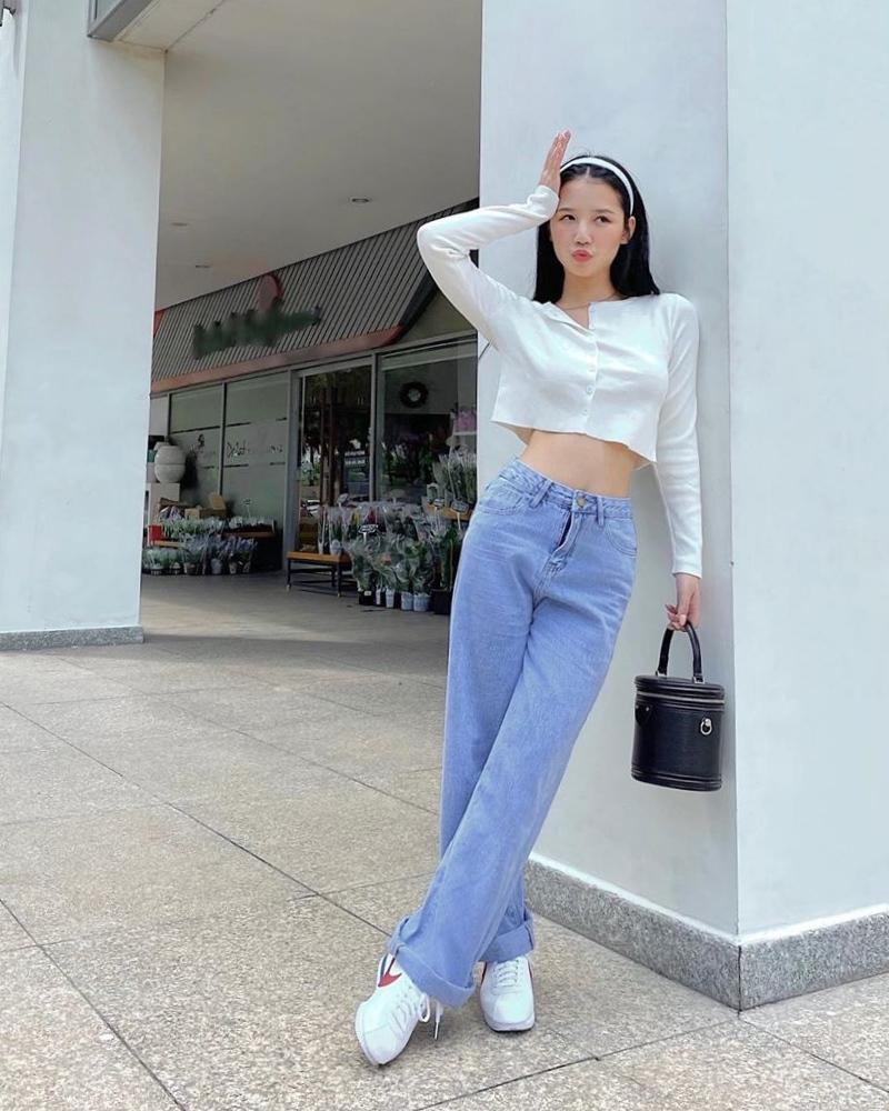 Chi Pu - Thúy Vi khoe eo triệt để với áo croptop nhưng nàng sexy - người năng động-8