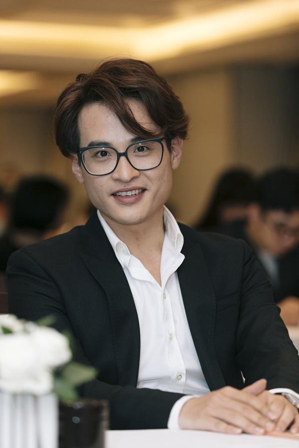 Hà Anh Tuấn tự nhận mình càng già càng đẹp