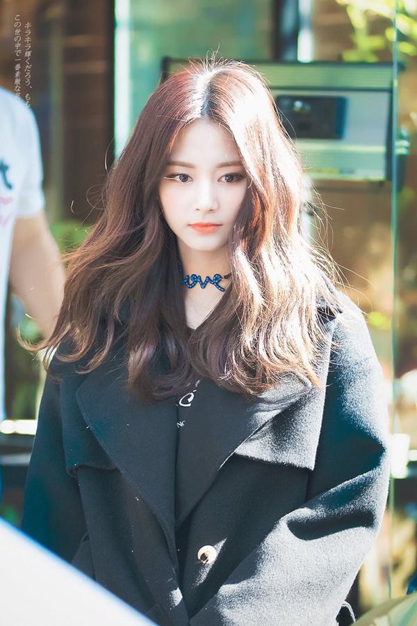 Hội em út ác quỷ nức tiếng giới idol Hàn, ngạc nhiên khi toàn gương mặt thiên thần-14