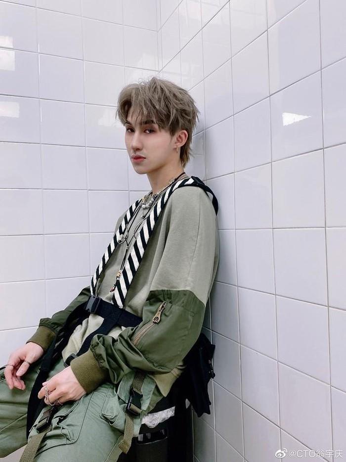 Nam idol Trung Quốc nổi tiếng nhờ ngoại hình giống hệt Lee Kwang Soo-5