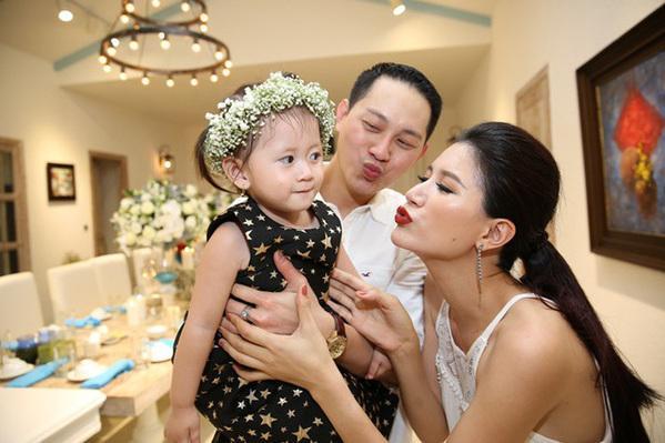 Chồng Trang Trần bật cười khi bị chỉ trích bỏ rơi vợ con tại Việt Nam-4