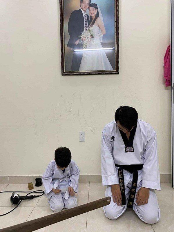 Đi dạy về muộn, võ sư đai đen bị vợ bắt quỳ gối trước ảnh cưới: Khổ lắm ai ơi!-1