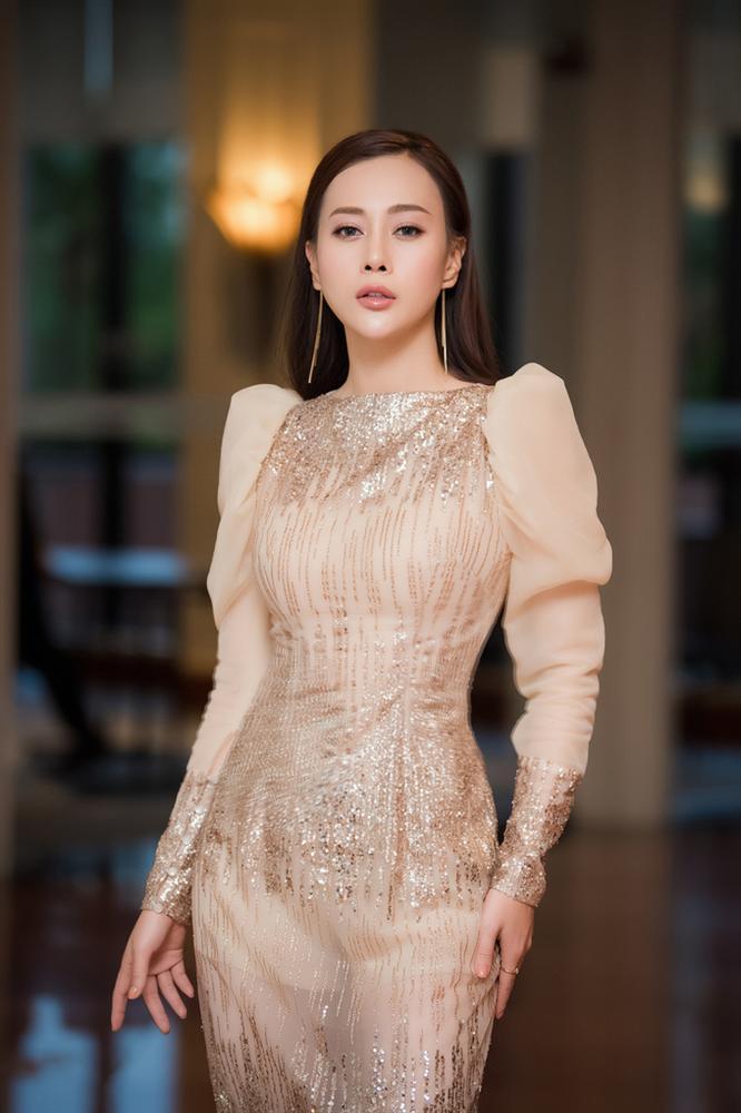 SAO MẶC ĐẸP: Thúy Vân hóa công chúa - Hòa Minzy rực rỡ đúng chất chị đại Hoa dâm bụt-3