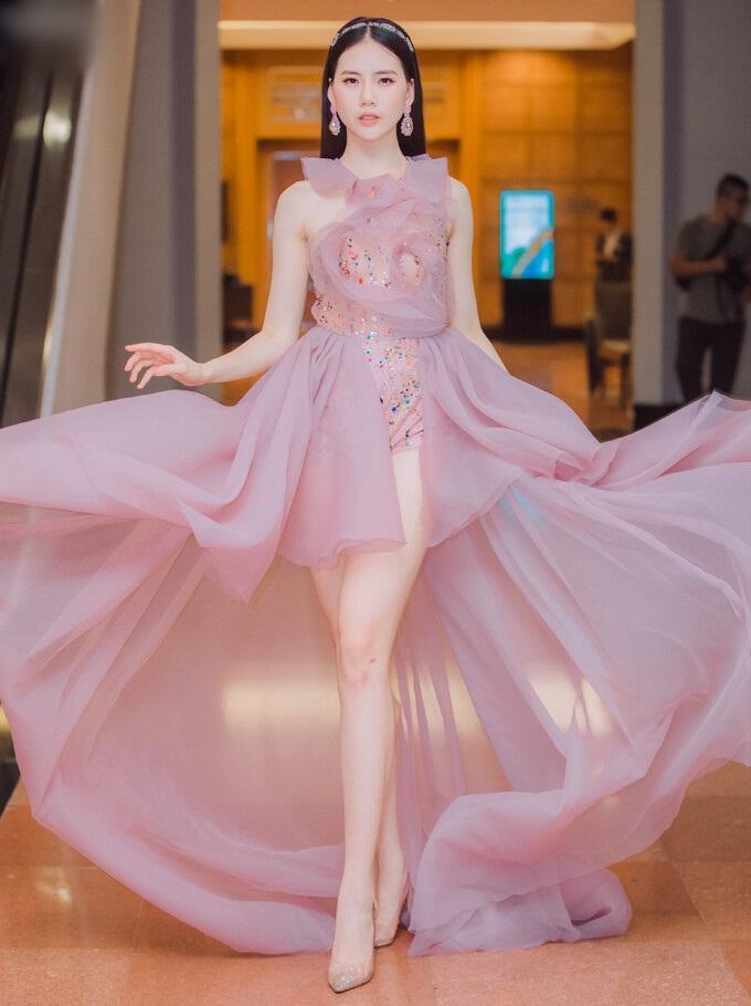 SAO MẶC ĐẸP: Thúy Vân hóa công chúa - Hòa Minzy rực rỡ đúng chất chị đại Hoa dâm bụt-4