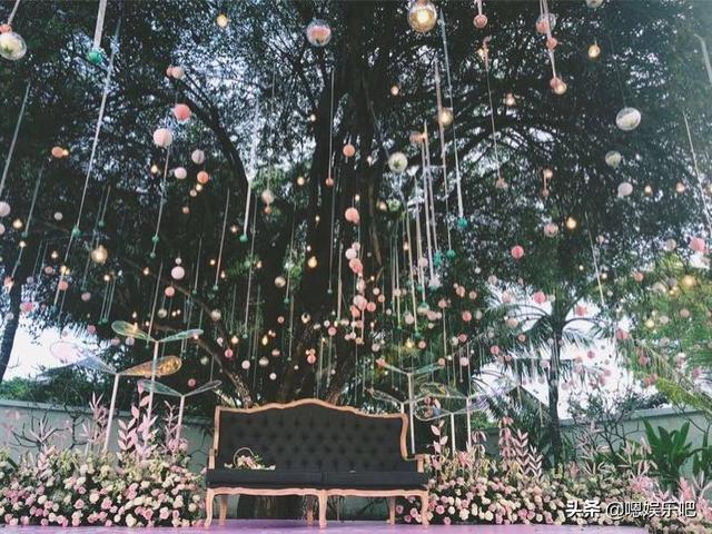 6 đám cưới ngập trong biển hoa bạc tỷ của showbiz Hoa ngữ-27