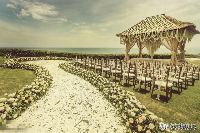 6 đám cưới ngập trong biển hoa bạc tỷ của showbiz Hoa ngữ-21