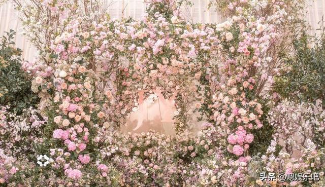 6 đám cưới ngập trong biển hoa bạc tỷ của showbiz Hoa ngữ-11