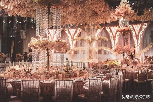 6 đám cưới ngập trong biển hoa bạc tỷ của showbiz Hoa ngữ-16