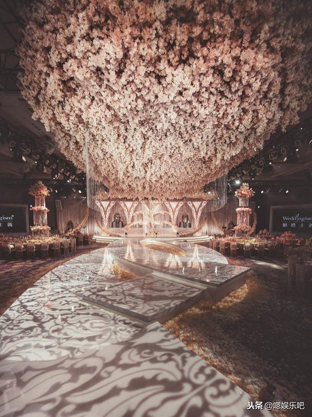 6 đám cưới ngập trong biển hoa bạc tỷ của showbiz Hoa ngữ-17