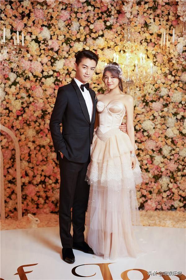 6 đám cưới ngập trong biển hoa bạc tỷ của showbiz Hoa ngữ-19