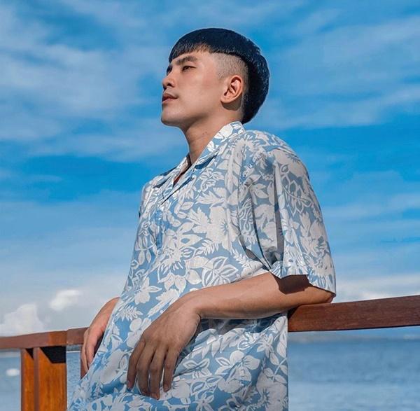Sơn Tùng M-TP, Isaac khoe vẻ phong trần với mốt áo sơ mi họa tiết-3