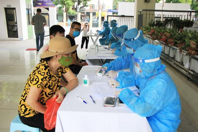 Số người từ Đà Nẵng về tăng lên tới 53.768, Hà Nội bổ sung test nhanh COVID-19-2