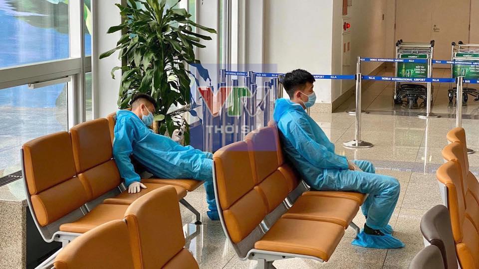 Clip: Bác sĩ Đà Nẵng cất tiếng hát giữa tâm dịch Covid-19 lay động triệu trái tim-3