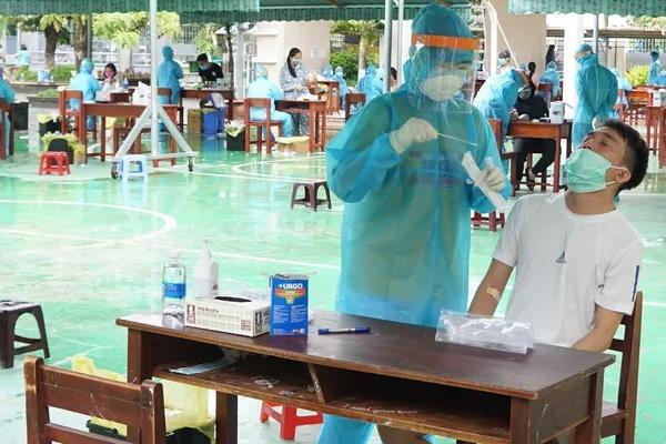 Chủ tịch Đà Nẵng: Tiến tới xét nghiệm Covid-19 cho toàn dân thành phố-1